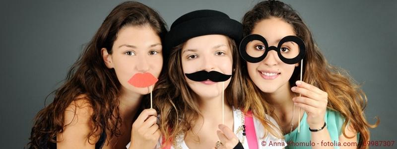 drei Mädchen mit Verkleidung